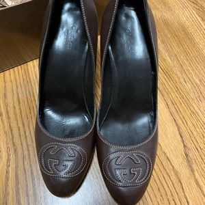 Authentic Gucci shoes/pumps size 7